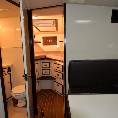 Santo-Maritime-Yachting-Bertram-Inside-Image21