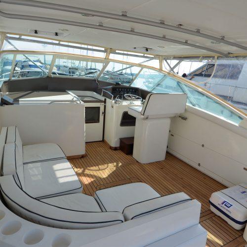 Santo-Maritime-Yachting-Bertram-Inside-Image3
