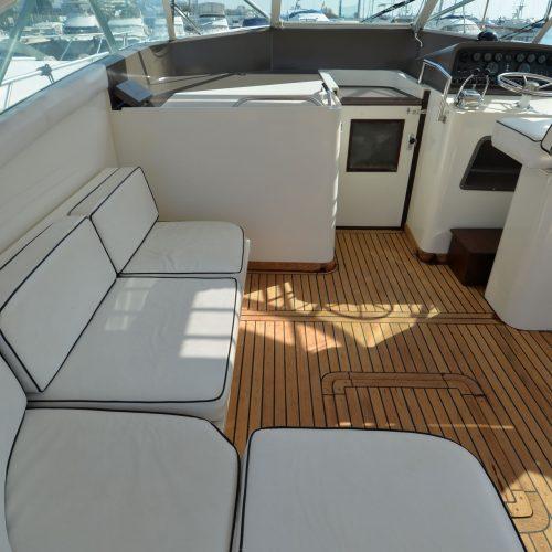 Santo-Maritime-Yachting-Bertram-Inside-Image4