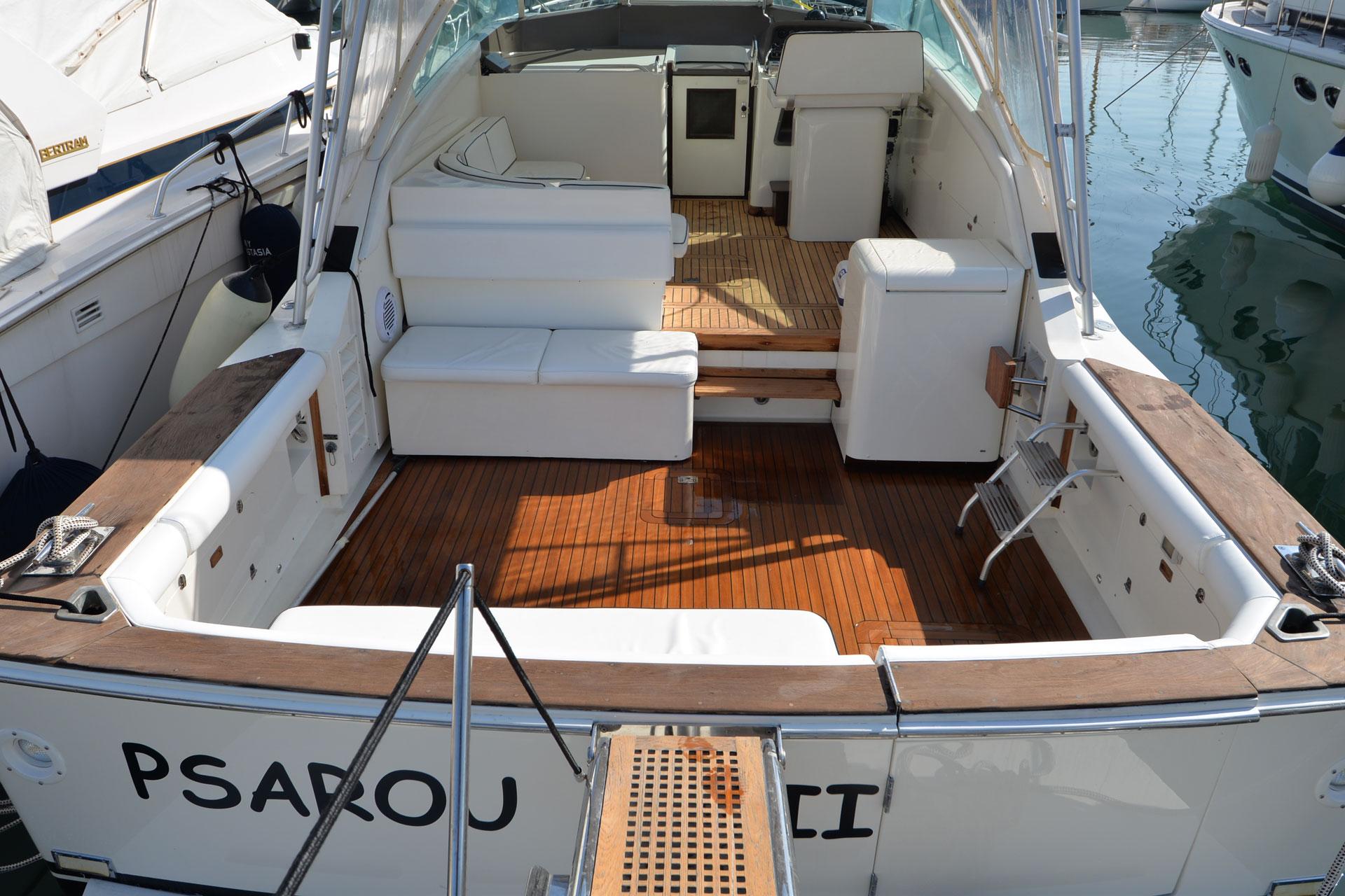 Santo-Maritime-Yachting-Bertram-Inside-Image7