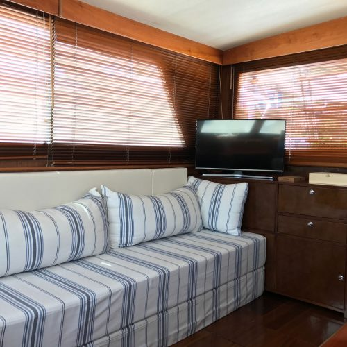 Santo-Maritime-Yachting-Hatteras-Inside-Image5