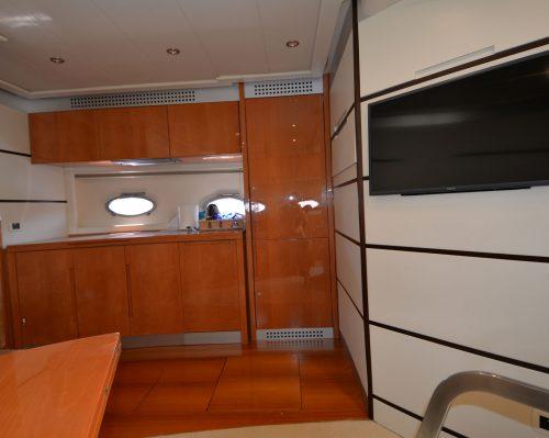 Santo-Maritime-Yachting-Pershing-Inside-Image16
