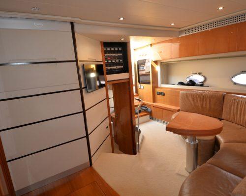Santo-Maritime-Yachting-Pershing-Inside-Image18