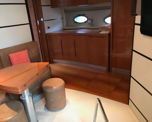 Santo-Maritime-Yachting-Pershing-Inside-Image19
