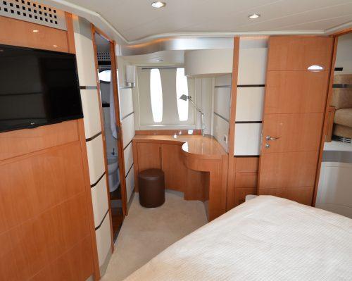 Santo-Maritime-Yachting-Pershing-Inside-Image28