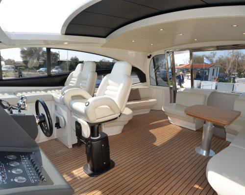 Santo-Maritime-Yachting-Pershing-Inside-Image35